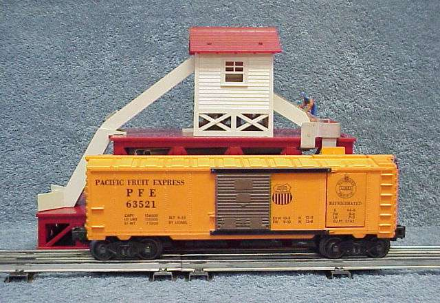 Photo of a 352 Ice Depot with red base & the 6352-1 Ice Car